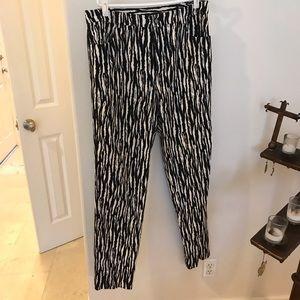 Dana Buchman black and white pants size 10